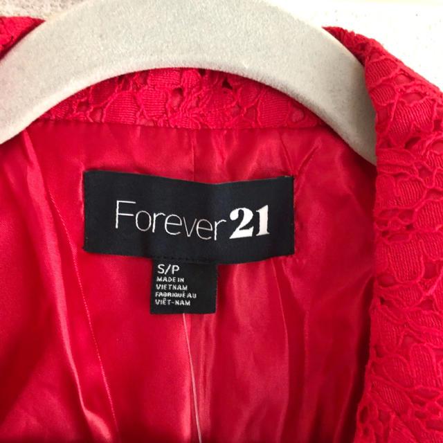 FOREVER 21(フォーエバートゥエンティーワン)の【最終値下げ!】新品◾︎ レースジャケット◾︎ 赤レースmsカーディガン レディースのジャケット/アウター(テーラードジャケット)の商品写真