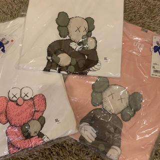 ユニクロ(UNIQLO)のカウズ ユニクロ コラボ Tシャツ XLサイズ 3枚セット 送料無料(Tシャツ/カットソー(半袖/袖なし))