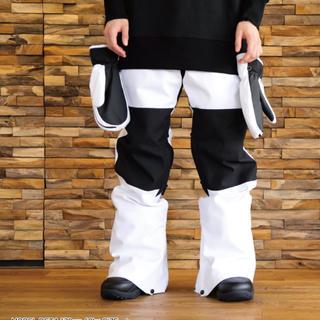 バートン(BURTON)のバイカラー ブラック ホワイト 配色 スノーボード パンツ(ウエア/装備)