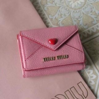 ミュウミュウ(miumiu)のmiumiu ラブレターミニ財布(折り財布)