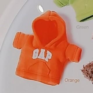 ギャップ(GAP)のGAP オレンジ色パーカー ガチャガチャ(キャラクターグッズ)