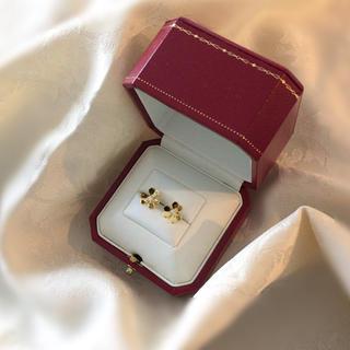 ヴァンクリーフアンドアーペル(Van Cleef & Arpels)の新品  新作 ゴールド 三つ葉 リング ピアス  金 フラワー 花 18金(ピアス)