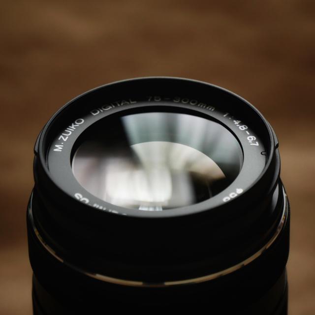 OLYMPUS(オリンパス)のM.ZUIKO DIGITAL ED 75-300mm F4.8-6.7 II スマホ/家電/カメラのカメラ(レンズ(ズーム))の商品写真
