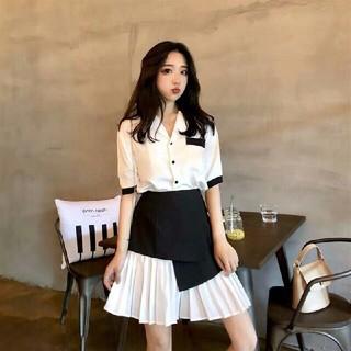 シャネル(CHANEL)の【Chanel】◆ヘボン風のシャツ+プリーツスカートをパッチョ(ひざ丈スカート)