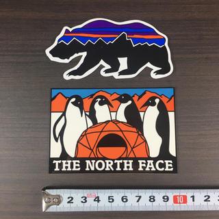 ザノースフェイス(THE NORTH FACE)のノースフェイス パタゴニア ステッカー 2点 ⁑ ペンギン ベア!(登山用品)