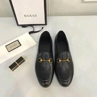 グッチ(Gucci)のGUCCI 革靴(ローファー/革靴)