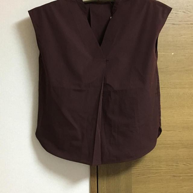 GU(ジーユー)のGU スキッパーシャツ 新品 ダークブラウン レディースのトップス(シャツ/ブラウス(半袖/袖なし))の商品写真