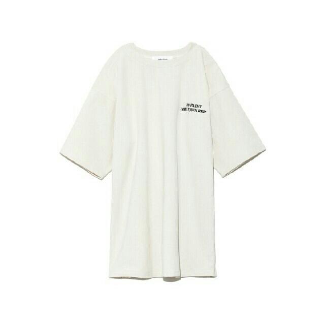 Mila Owen(ミラオーウェン)のサイドスリットビッグTシャツ 新品タグ付 レディースのトップス(Tシャツ(半袖/袖なし))の商品写真