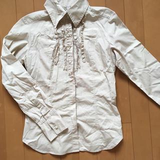 ユニクロ(UNIQLO)のフリル&ステッチシャツ ブラウス(シャツ/ブラウス(長袖/七分))