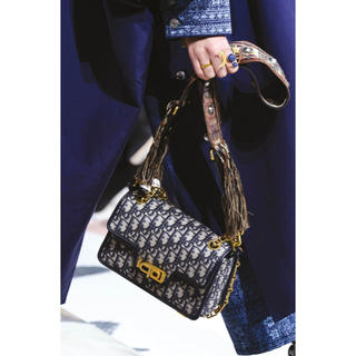 クリスチャンディオール(Christian Dior)の新作♡クリスチャンディオールObliqueCanvasチェーンショルダーバッグ(ショルダーバッグ)