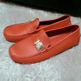 未使用 ヴィトン ローファー24.0(ローファー/革靴)
