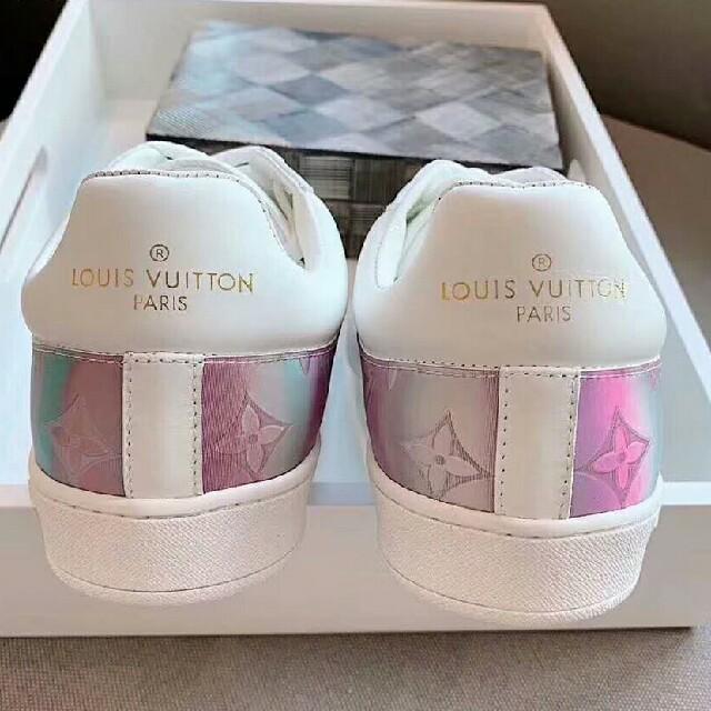 LOUIS VUITTON(ルイヴィトン)のルイヴィトンスニーカー レディースの靴/シューズ(スニーカー)の商品写真