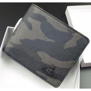 ヴィヴィアンウエストウッド(Vivienne Westwood)の送料無料★新品★箱付 ヴィヴィアンウエストウッド 迷彩柄かぶせ 二つ折り財布 黒(折り財布)