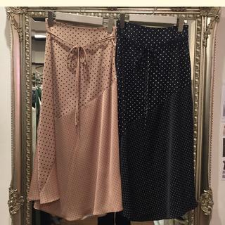 Mila Owen - ミラオーウェン   ドットサテンスカート 新品未使用