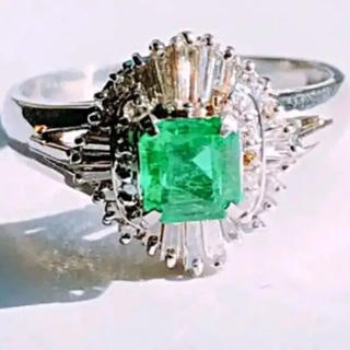 エメラルド*ダイヤモンドリング*プラチナ900(リング(指輪))