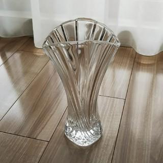 トウヨウササキガラス(東洋佐々木ガラス)のフラワーベース(花瓶)