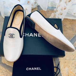 シャネル(CHANEL)のシャネル CHANEL 16P パール ココマーク オペラシューズ 37(ローファー/革靴)