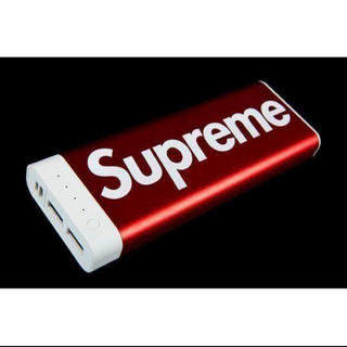 シュプリーム(Supreme)の【未使用】SUPREME 17FW バッテリー 20K 赤(バッテリー/充電器)