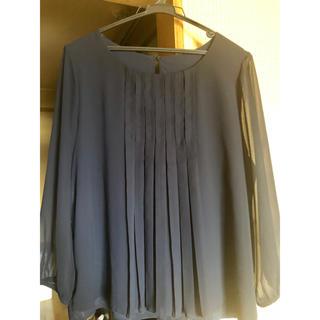 イネド(INED)のINED 紺色 ブラウス 大きいサイズ(シャツ/ブラウス(長袖/七分))