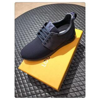 ルイヴィトン(LOUIS VUITTON)のLouisVuittonカジュアルシューズ運動靴ブラックサイズ25cm(スニーカー)