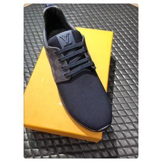 ルイヴィトン(LOUIS VUITTON)のLouisVuittonカジュアルシューズ運動靴ブラックサイズ26cm(スニーカー)