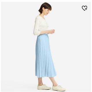 ユニクロ(UNIQLO)の【UNIQLO】プリーツロングスカート (水色)(ロングスカート)