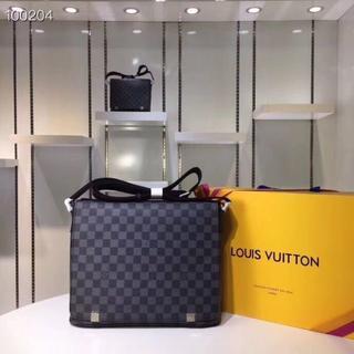 ルイヴィトン(LOUIS VUITTON)のLouis Vuitton x ショルダーバッグ(ビジネスバッグ)