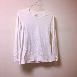 ユニクロ(UNIQLO)の美品!ユニクロ シンプル ホワイト クルーネック ロンT(Tシャツ(長袖/七分))