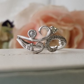 K18🌹バラの茂みのダイヤモンドリング(リング(指輪))