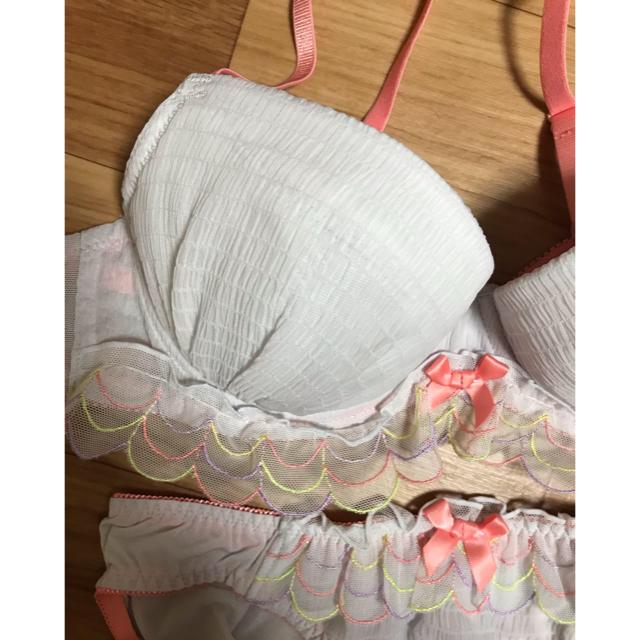 AMPHI(アンフィ)の新品、未使用☆*ワコールamphi ブラショーツ2枚セット レディースの下着/アンダーウェア(ブラ&ショーツセット)の商品写真