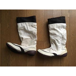 プーマ(PUMA)のnualaホワイトブーツ(ブーツ)