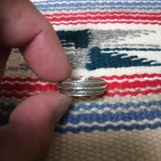 インディアン(Indian)のインディアンジュエリー ナバホ族 ハーヴィーメイス フェザー シルバーリング指輪(リング(指輪))