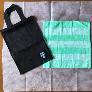 MARY QUANT - ハンドタオルとメッシュバッグ