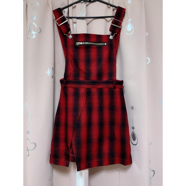 UNIF(ユニフ)のUNIFのサロペットスカーです。  レディースのスカート(ミニスカート)の商品写真