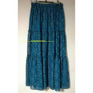 ユニクロ(UNIQLO)のユニクロ★ティアードロングスカート★ブルー系☆フラワー(ロングスカート)