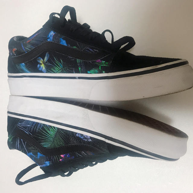 VANS(ヴァンズ)のVANS オールドスクール 23cm レディースの靴/シューズ(スニーカー)の商品写真