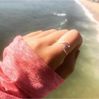 インスタ 大人気 ウェーブリング シルバー リング シンプル 波 海 指輪(リング(指輪))