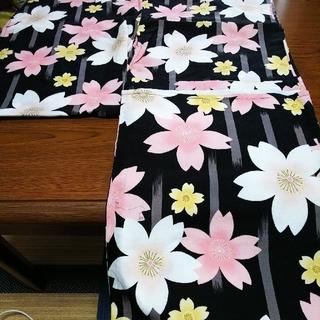 しまむら - レディース浴衣♡人気の桜柄❤️黒地