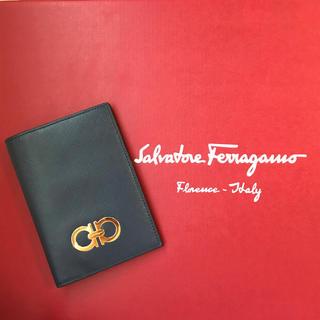 サルヴァトーレフェラガモ(Salvatore Ferragamo)のフェラガモ パスケース カードケース(名刺入れ/定期入れ)