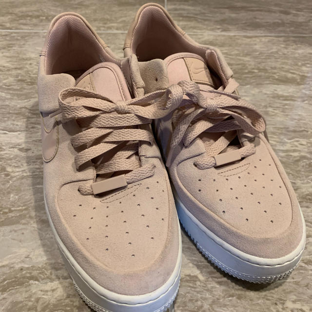 STUNNING LURE(スタニングルアー)のbey様 NIKE ナイキ エアフォース 1 セージ LOW レディースの靴/シューズ(スニーカー)の商品写真
