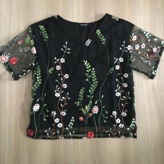 シマムラ(しまむら)のチュール刺繍プルオーバー (カットソー(半袖/袖なし))