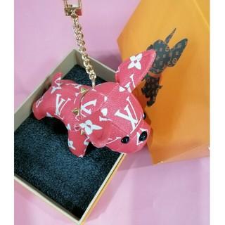 ルイヴィトン(LOUIS VUITTON)の可愛いキーケース 犬飾り LV 鞄飾り  (置物)