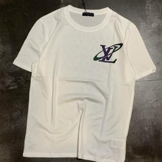 ルイヴィトン(LOUIS VUITTON)のLOUIS VUITTON ロゴ 新品 カッコいい Tシャツ(Tシャツ/カットソー(半袖/袖なし))