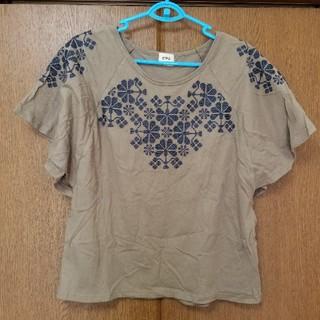 キューブシュガー(CUBE SUGAR)のCUBESUGAR 刺繍入りカットソー(カットソー(半袖/袖なし))