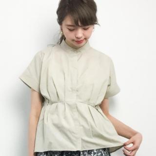 KBF - kbf ノーカラーペプラムシャツ