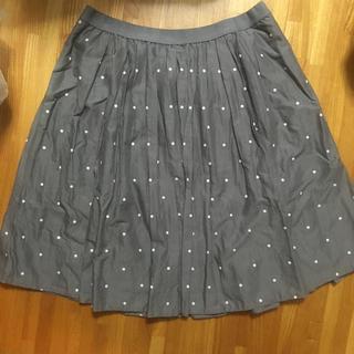 ユニクロ(UNIQLO)のユニクロ ドット柄スカート グレー M(ひざ丈スカート)