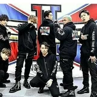 サンダイメジェイソウルブラザーズ(三代目 J Soul Brothers)のJSB   Tyo  リストバンドとバンダナ(ミュージシャン)