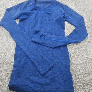 lululemon - ルルレモン 長袖Tシャツ サイズ2 サファイア swiftly 中古