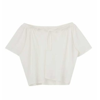 エモダ(EMODA)のEMODA 新品タグ付き 白 トップス オフショルにも(カットソー(半袖/袖なし))