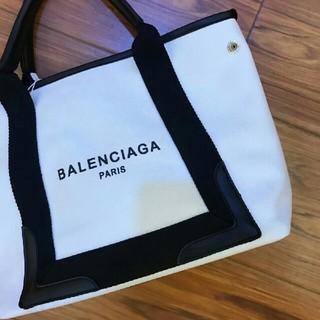 Balenciaga - 【新品 未使用】バレンシアガ バッグ ネイビーカバスM 黒
